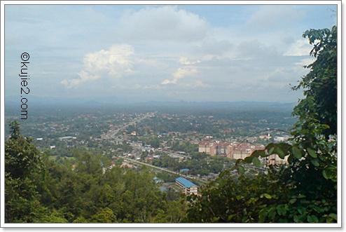 pemandangan bandar kuala terengganu dari bukit besar Bukit Besar