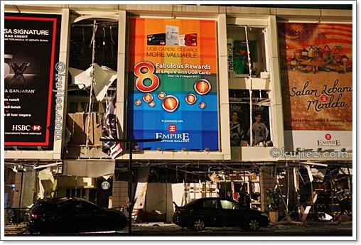 Gambar Empire Shopping Gallery Yang Meletup