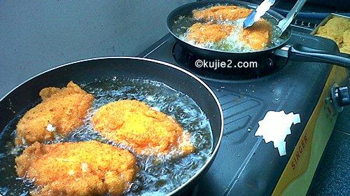 chicken cordon bleu keju