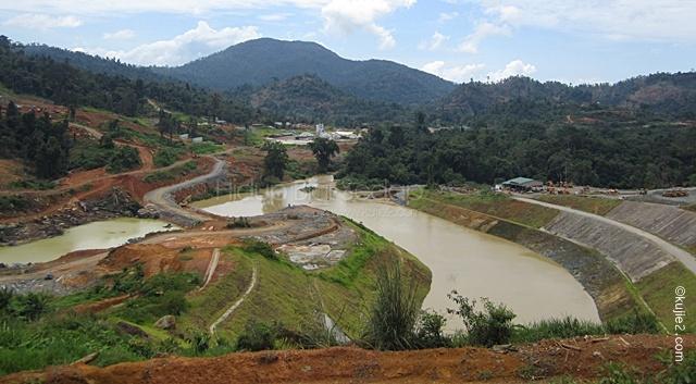 pembinaan empangan hidro elektrik di tasik kenyir