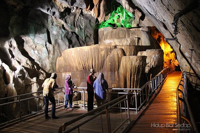 Taman Rekreasi Gua Kelam