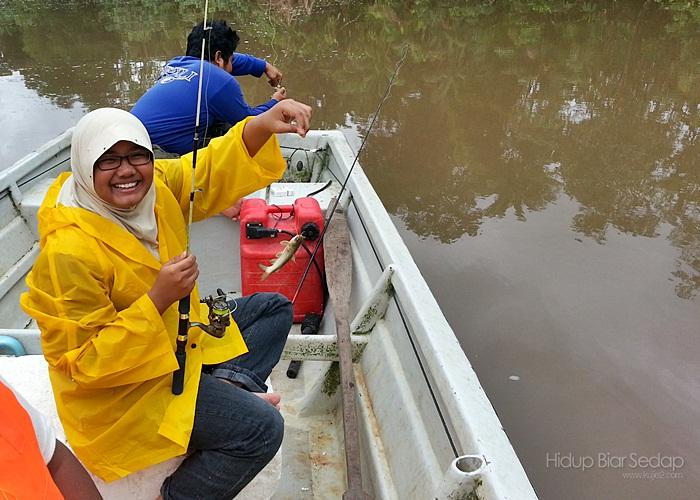 memancing di kuala sungai sedili