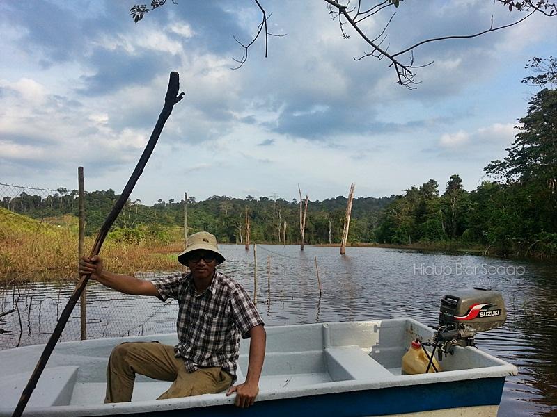 boat di tasik kenyir