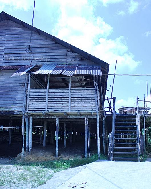 Rumah Panjang http://www.kujie2.com/cuti-cuti-malaysia/melawat-rumah
